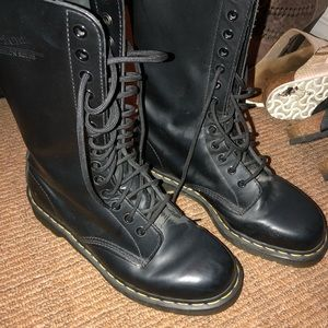 Doc Martens 1914 Smooth size 9